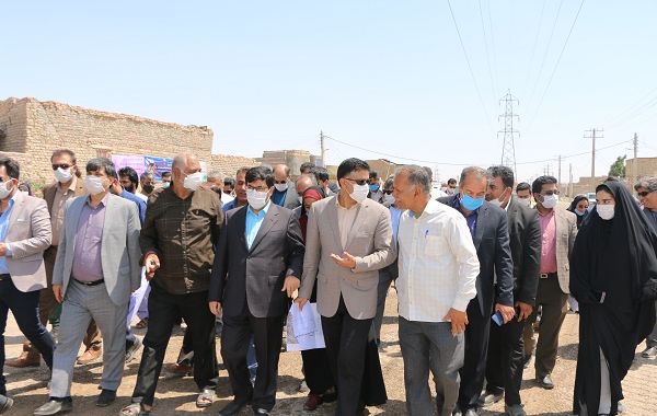 مدیرعامل شرکت بازآفرینی شهری ایران و جمعی از نمایندگان مجلس شورای اسلامی، از سکونت گاه های غیررسمی  و طرحهای بازآفرینی زابل بازدید کردند